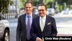 El ministro de Economía de México, Ildefonso Guajardo, llegando a la oficina del representante comercial estadounidense en Washington, EEUU, el 23 de agosto del 2018. REUTERS/Chris Wattie