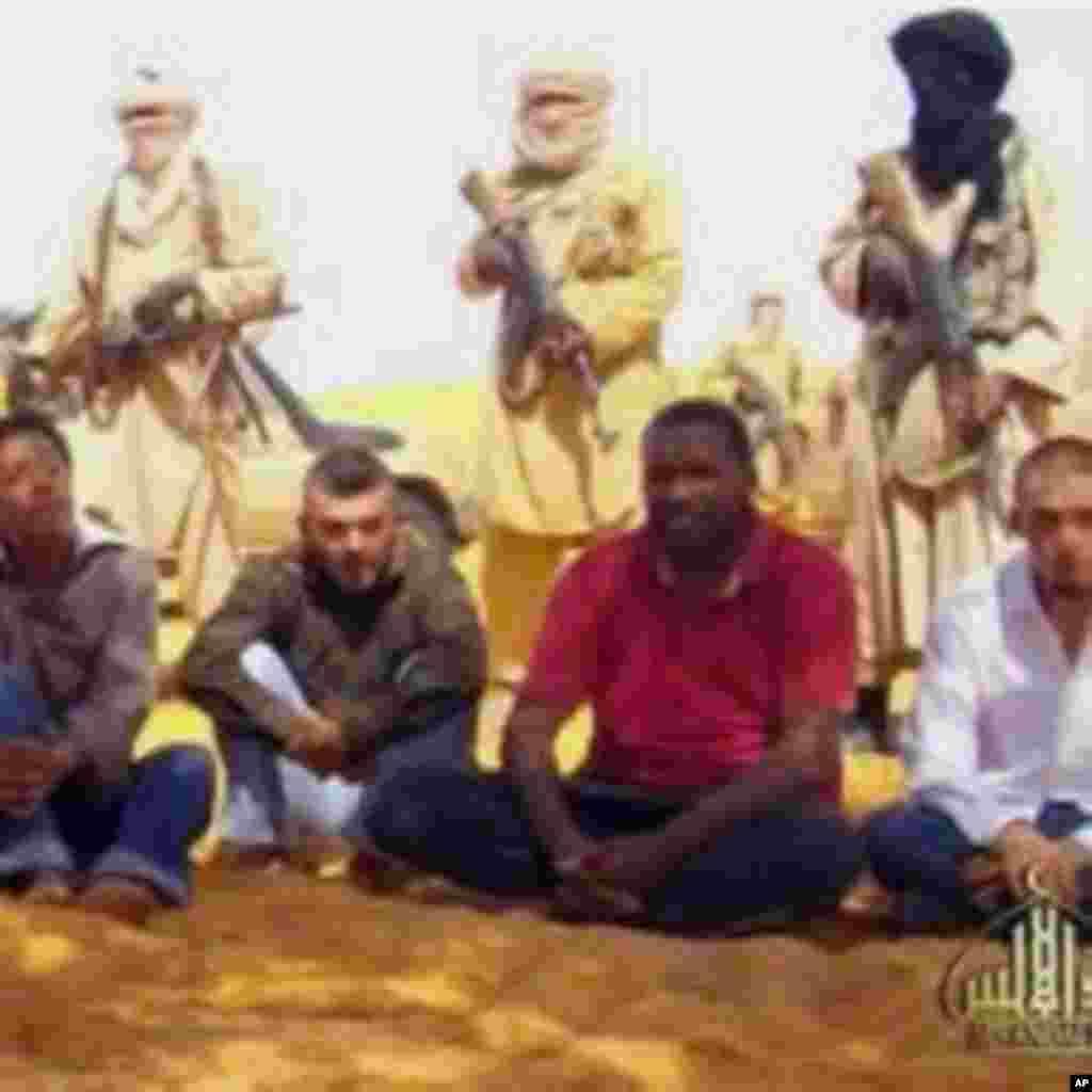 AQMI : des images des otages français sur Internet