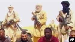 (Archives) : Des images des otages français d'Aqmi sur Internet