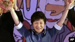 20일 전당대회에서 84%의 지지를 얻어 새누리당의 대선 후보로 선출된 박근혜 후보.