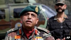 Indian army commander Lieutenant General Sanjiv Chachra addresses a news conference in Srinagar, Oct. 8, 2013.