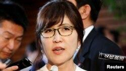 执政党自民党政调会长稻田朋美成为日本新防卫相