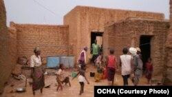 Des vicitmes des inondations à Agadez, Nier, 5 juin 2012.