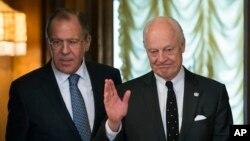 عکس آرشیوی از دیدار سرگئی لاوروف وزیر خارجه روسیه (چپ) با استفان دی میستورا نماینده ویژه دبیرکل سازمان ملل متحد در امور سوریه