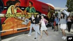 La educación es un terreno donde la participación del idioma español también avanza en Estados Unidos.