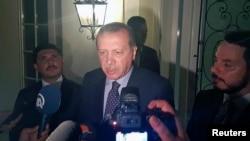 土耳其总统埃尔多安对媒体发表讲话