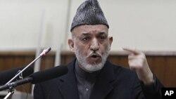 حامد کرزي وایي، جنرال پرویز مشرف ترې د ډیورنډ د کرښې په رسمیت پيژندلو غوښتنه کړې وه خو هغه و نه منله.