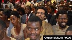 Les 15 opposants angolais devant le tribunal à Luanda, Angola. 16 novembre 2015