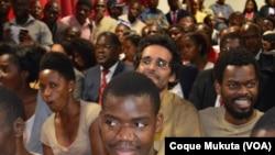 Des opposants comparaissent lors de leur procès à Luanda, Angola, 16 novembre 2015.