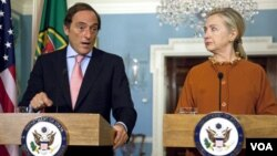 El canciller Portas y la secretaria Clinton criticaron la decisión de Israel de anunciar nuevos asentamientos en el este de Jerusalén.