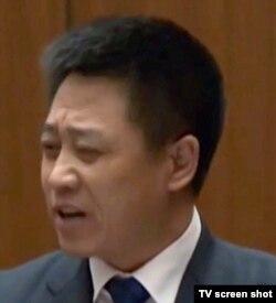 瞿铭的父亲瞿万志(电视截图)
