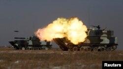 지난 2015년 1월 중국 지린성 타오난에서 인민해방군 탱크 부대가 사격 훈련을 하고 있다. (자료사진)