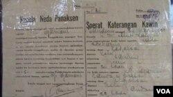 Surat nikah Soekarno dengan Inggit Garnasih.
