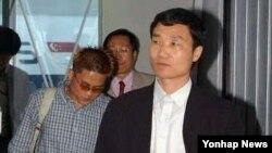 미국영사관을 통해 한국으로 망명한 탈북자들. (자료사진)