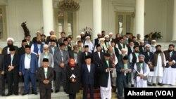 گزشتہ ماہ انڈونیشیا میں ہونے والے سہ ملکی علما اجلاس نے بھی فریقین سے افغانستان میں جاری خانہ جنگی کو بات چیت سے حل کرنے کا کہا تھا (فائل فوٹو)