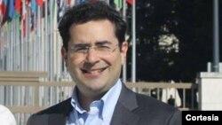 Ông Hillel Neuer, Giám đốc Điều hành tổ chức UN Watch, có trụ sở đặt tại Geneva, cho biết Hội Nghị Geneva về Nhân Quyền và Dân Chủ là 'tâm điểm của các nhà đối kháng trên khắp thế giới.'