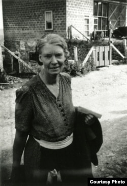 Dorothy Day at a Catholic Workers' communal farm in Easton, Pennsylvania, ca. 1938. (Marquette University Archives)