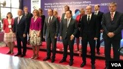 Zajednička fotografija ministara vanjskih poslova pred samit Proces suradnje u jugoistočnoj Europi, Sarajevo, 8. juli 2019.