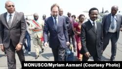 Le Haut-Commissaire des Nations Unies aux droits de l'homme, Zeid Ra'ad Al Hussein (au centre), lors de sa visite en République démocratique du Congo en juillet 2016. Photo: MONUSCO/Myriam Asmani