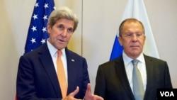 美国国务卿克里与俄罗斯外长拉夫罗夫(资料照)