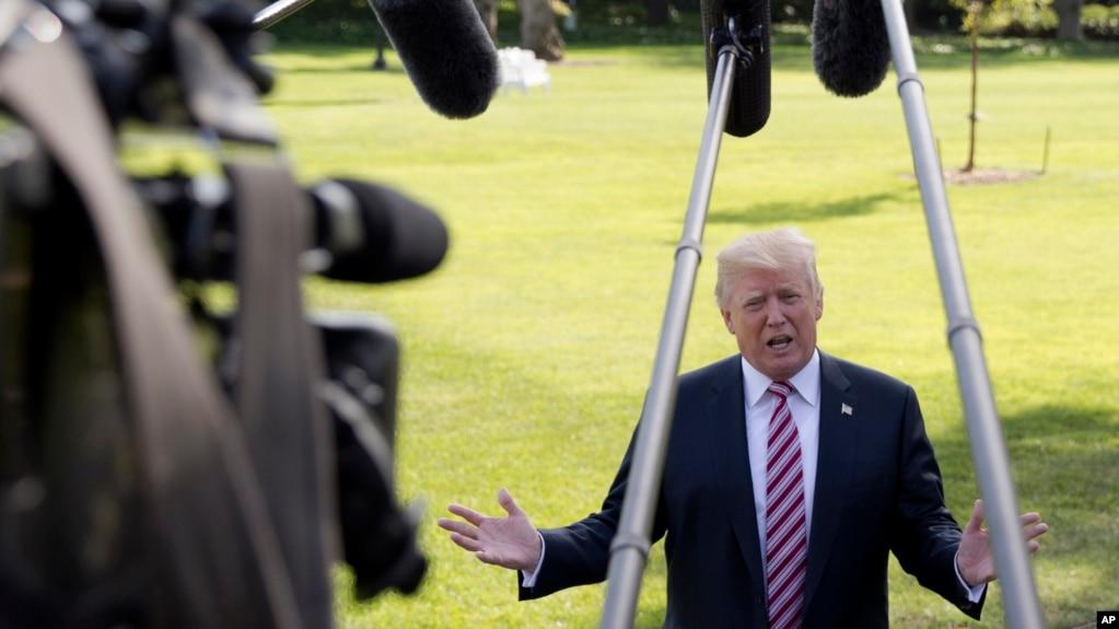 川普总统在白宫南草坪对记者发表谈话(2017年9月29日)