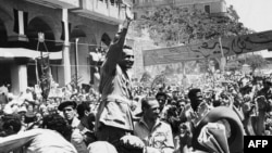 Le président Gamal Abdel Nasser, au Caire, le 18 juin 1956. (AP Photo, archives)