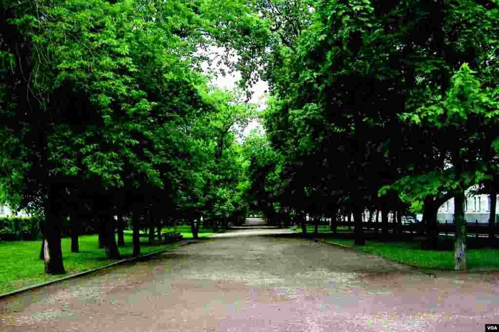Гоголевский бульвар (photo: courtesy of Yevgeniy Fiks)