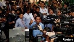 အႏိုင္ရ (CPP) ပါတီေခါင္းေဆာင္ ကေမၻာဒီးယား ဝန္ႀကီးခ်ဳပ္ Hun Sen