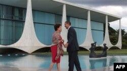 Obama në Brazil, takohet me Presidenten Rusef