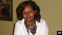 Martida Makrafoonka iyo Hibaaq Osman