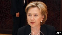 Ngoại trưởng Clinton nói rằng Hoa Kỳ muốn ủng hộ những nhà lãnh đạo coi đây có thể là cơ hội cuối trong một thời gian quá dài nhắm giải quyết cuộc xung đột Trung Đông