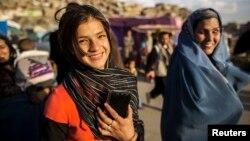 د افغانستان د نفوسو تر نیمايي ډیره برخه ځوانان جوړوي