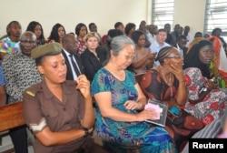"""被称为""""象牙女王""""的中国女商人杨凤格兰2019年2月19日在坦桑尼亚达累斯萨拉姆法庭内。"""