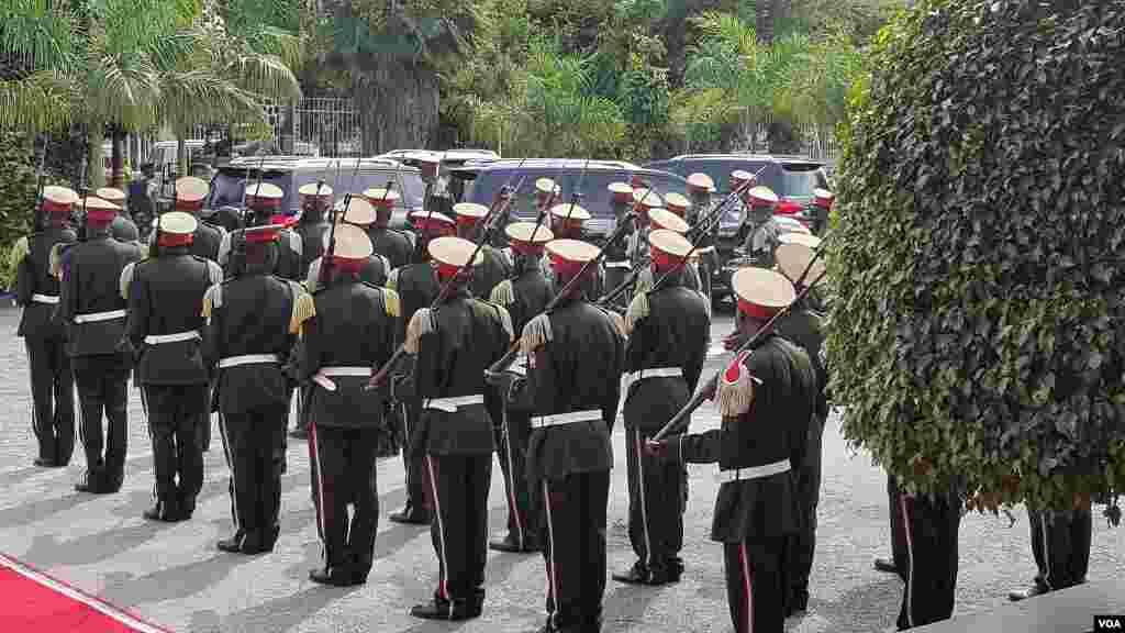 L'ancien président burundais Jean-Baptiste Bagaza.Les funérailles de l'ancien président burundais, décédé dans un hôpital de Bruxelles la semaine dernière, se sont achevées par son inhumation dans sa propriété, dans le quartier chic de Kiriri à Bujumbura.