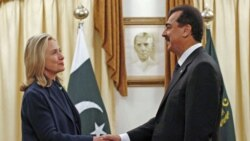 کلینتون پاکستان را برای از بین بردن پناهگاه های طالبان زير فشار قرار میدهد