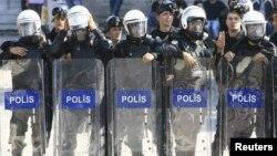 پولیس ترکیه خشونتهای شام سه شنبه را مورد پیگرد قرار داده است