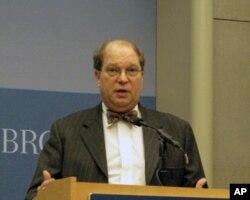 乔治华盛顿大学讲师、传统基金会研究员罗森茨魏希