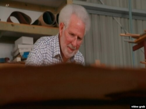 وین استوارت، سازنده پیانو
