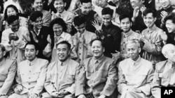 从国家主席到刘贼到恢复名誉的刘少奇(27图)
