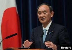 PM Jepang Yoshihide Suga dalam konferensi pers di Tokyo, Jepang, 9 September 2021. (REUTERS/Kim Kyung-Hoon/Pool)