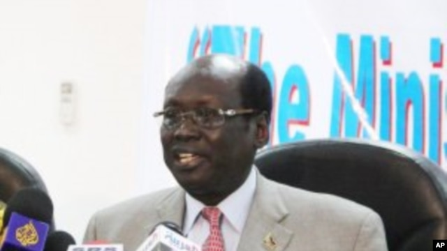 South Sudan Information Minister Barnaba Marial Benjamin at a press conference in Juba, Southern Sudan. (File Photo)