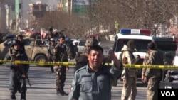 حوالی ساعت ده صبح امروز یک حملۀ انتحاری و دو انفجار ماین چسپکی در یک مرکز فرهنگی در مربوطات حوزه ششم شهر کابل به وقوع پیوست