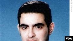 Humam Khalil Abu-Mulal al-Balawi dari Yordania disebut sebagai agen ganda. Ia meledakkan diri dalam serangannya ke fasilitas CIA di dekat perbatasan Pakistan, 30 Desember 2009.