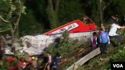 Kecelakaan bus di Thailand utara, Oktober 2013. (Foto: Dok)