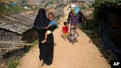一個羅興亞難民家庭在孟加拉。 (2018年11月17日)