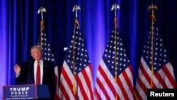 미국 공화당의 도널드 트럼프 대선후보가 15일 오하이오주 영스타운에서 이민정책에 관해 설명하고 있다.