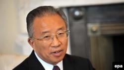 时任中国国务委员的戴秉国。(资料照)