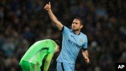 Frank Lampard marcó el gol definitivo en el triunfo por 3-2 del Manchester City sobre Sunderland.