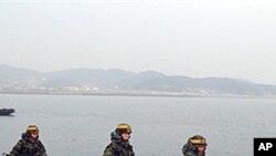 南韓士兵在延坪島上巡邏