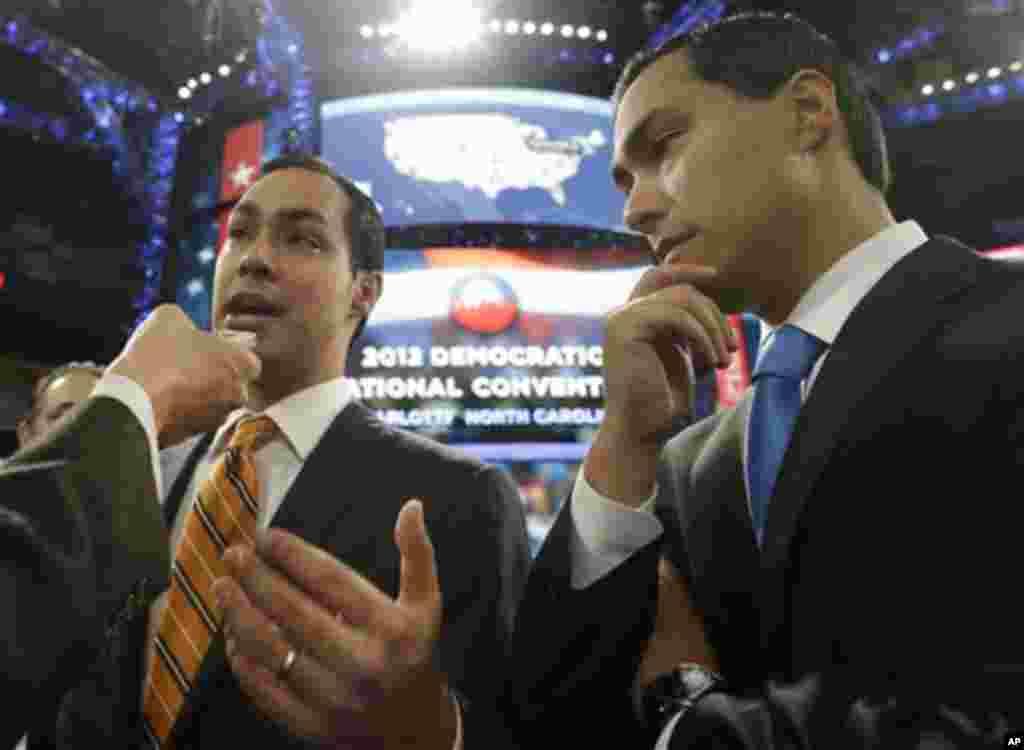 Le maire de San Antonio, Julian Castro ( à gauche), et son frère jumeau, Joaquin Castro, candidat à la Chambre des représentants.